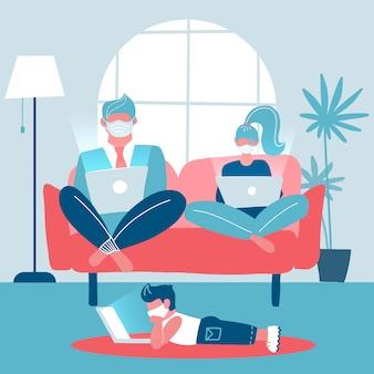 Die ganze familie arbeitet an laptops, die auf einem sofa sitzen. mann und frau arbeiten fern. kind, das auf dem boden liegt und entfernt studiert. trendy wohnraum. gadget-sucht. flache illustration