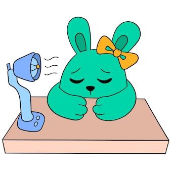 Die hirschkuh ist faul in der hitze und schaltet den ventilator auf dem tisch ein, vektorgrafiken. doodle symbolbild kawaii.