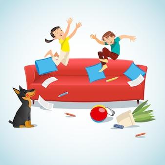 Die kinder springend auf die couch, die mit einer kugel spielt
