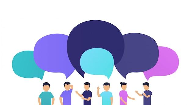 Die leute diskutieren die nachrichten miteinander. austausch von nachrichten oder ideen, sprechblasen auf weißem hintergrund.