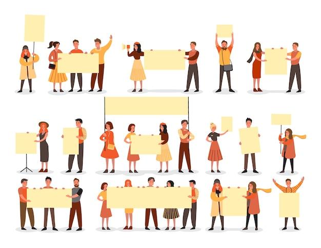Die leute halten banner gesetzt. sammlung von zeichengruppen mit leerer leerer tafel für nachricht. werbekonzept. illustration