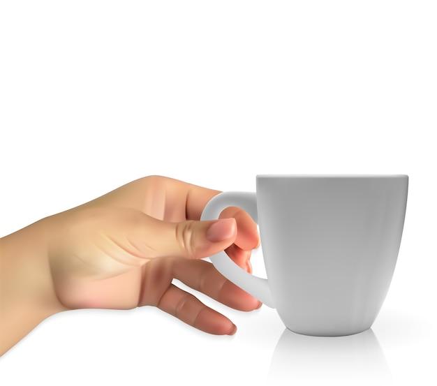Die naturalistische hand des menschen hält ein realistisches 3d-modell der tassenweißen farbe.