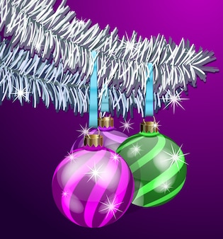 Die realistischen weihnachtskugeln auf tannenzweigen