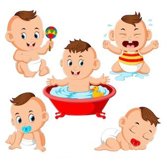 Die sammlung des babys, der die aktivitäten ausführt