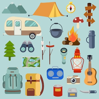 Die sammlung von camping-packsets für den wald-picknick-ausflug.