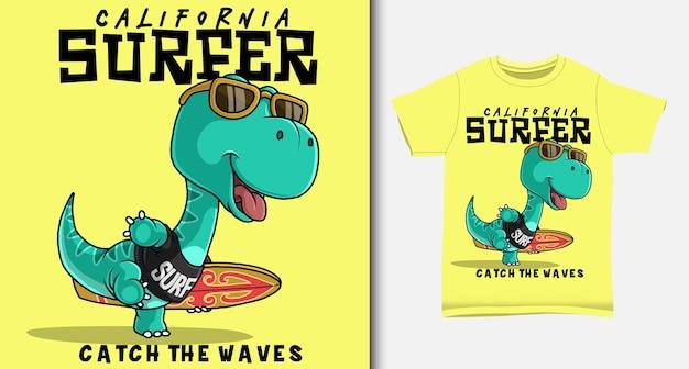 Dinosaurier, der ein surfbrett trägt. mit t-shirt design.