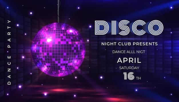 Disco-party-plakat. tanz- und musiknachtparty-flyer mit 80er discokugel und lichteffekten. vektorillustration lädt zur glamourfeier mit spiegelkugelfahne ein
