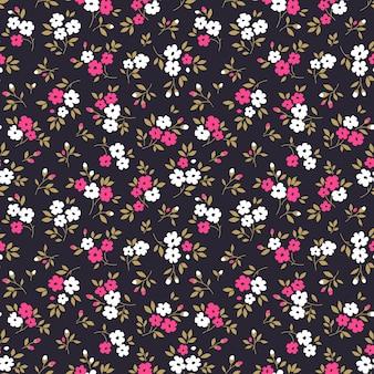 Ditsy vektor blumenmuster nahtloser druck kleine rosa und weiße blumen dunkelvioletter hintergrund