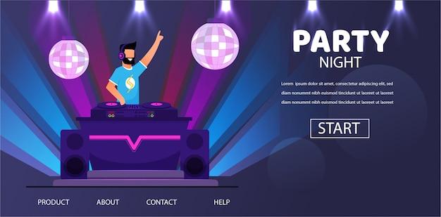 Dj im kopfhörer bei nachtclubparty play music