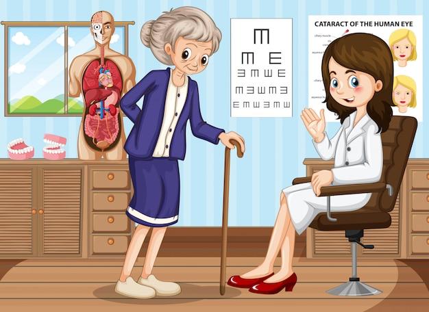 Doktor und alte frau in der klinik