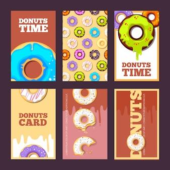Donuts karten. glasierte süße heiße ringfeiertagskuchen zum frühstück besprüht plakate