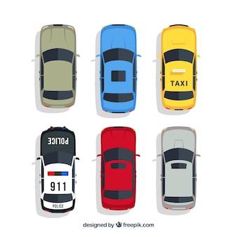 Draufsicht auf autos mit taxi und polizei
