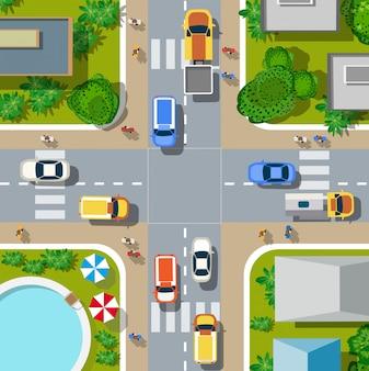 Draufsicht auf die stadt. stadtkreuzung mit autos und häusern, fußgänger.