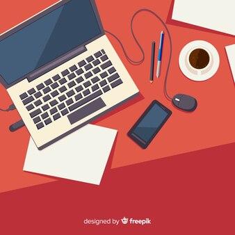 Draufsicht des professionellen schreibtischs