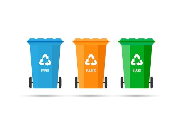 Drei abfalleimer (mülltonnen) mit recycling-zeichen isoliert. vektor-illustration