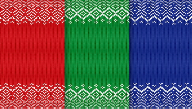 Drei farben pullover textur sammlung. gestrickter weihnachtshintergrund. rote, grüne und blaue geometrische verzierung.