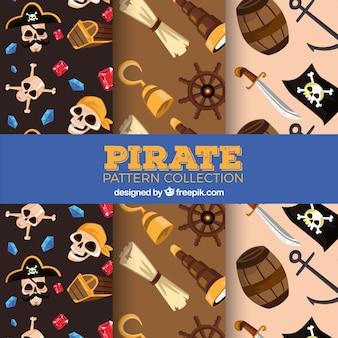 Drei piratenmuster mit farbigen objekten