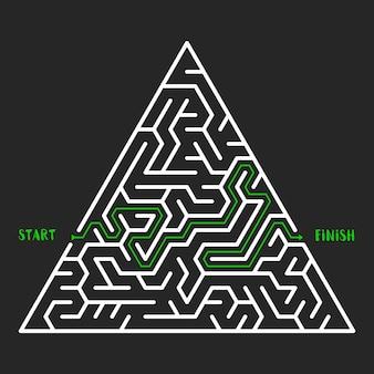 Dreieckiger labyrinth-spielhintergrund. labyrinth mit ein- und ausgang. vektor-illustration.