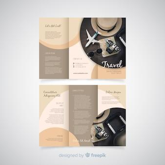 Dreifach gefaltete broschürenvorlage