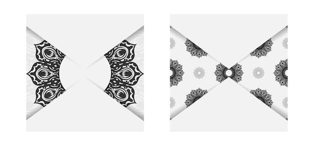 Druckfertiges postkartendesign in weiß mit schwarzen mandalamustern. vektor-einladungskartenschablone mit platz für ihren text und ihre verzierung.