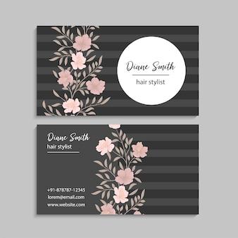 Dunkle visitenkarte mit schönen blumen