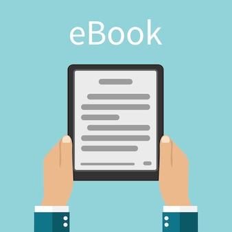 E-book. mann, der ein e-buch in den händen hält.
