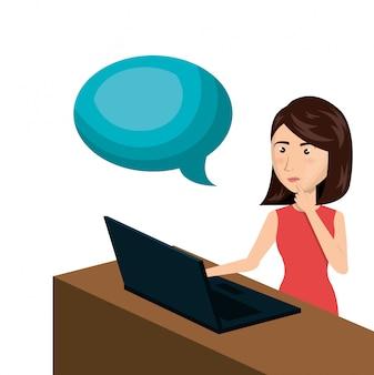 E-commerce-laptopschreibtisch der karikaturfrau lokalisiertes design