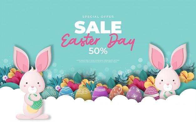 Easter sale banner mit eiern und hasen