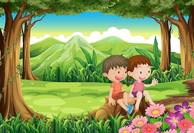 Ein baumstumpf mit zwei entzückenden kindern