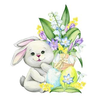 Ein kaninchen, das auf einem hintergrund von frühlingsblumen und ostereiern sitzt. aquarellclipart, im karikaturstil, auf einem isolierten hintergrund, für den feiertag, ostern.