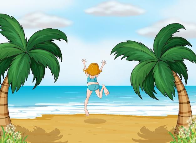 Ein mädchen, das den sommer am strand genießt