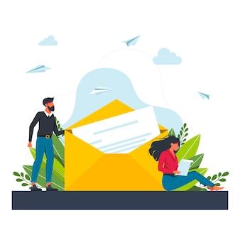 Ein mann schickt einer frau einen brief. frau, die post empfängt und brief liest. flache cartoon-vektor-illustration für e-mail, nachricht, kommunikationskonzept. eine frau sitzt und liest einen brief von ihrem geliebten