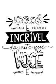 Ein motivierender portugiesischer schriftzug übersetzung du bist so toll, wie du bist