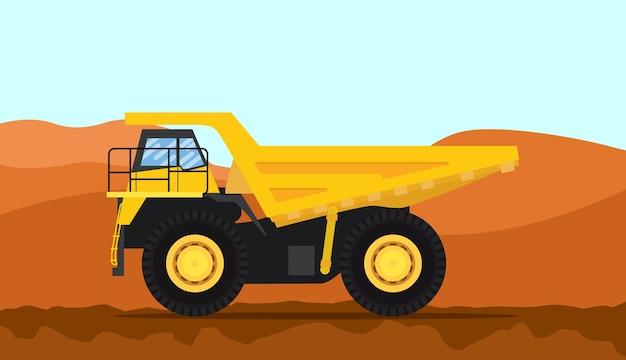Ein schwerer lkw des großen dumps mit gelber farbe und gebirgshintergrund