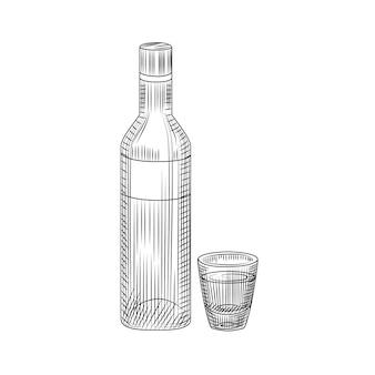 Eine flasche wodka und ein volles getränk. hand gezeichnete alkoholglasflaschenskizze lokalisiert