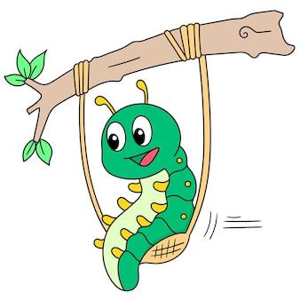 Eine grüne raupe, die schaukel auf einem ast spielt, niedliche doodle-zeichnung des charakters. vektor-illustration