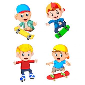 Eine gruppe des professionellen jungen, der das skateboard spielt