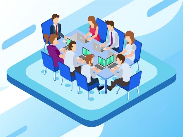 Eine unternehmensgruppe, die in einer besprechungssitzung an ihren laptops arbeitet