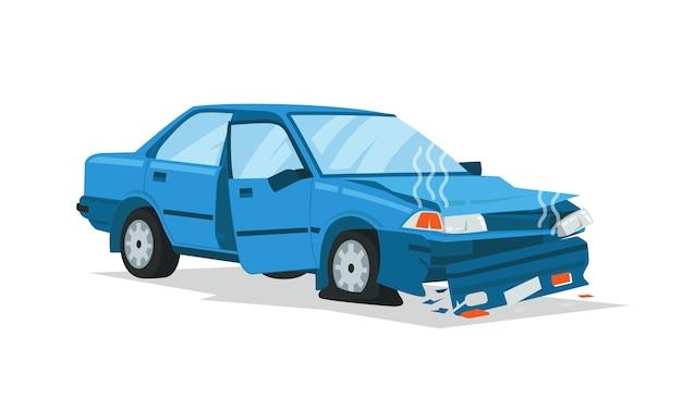 Eine zerstörte kleine limousine in unfall schlug und stürzte ab