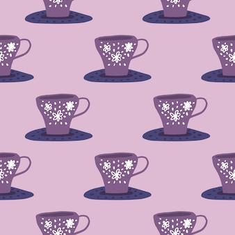 Einfaches küchenverzierungsmuster mit tassen auf flüssigkeiten. lila und lila palette. stilisierter gekritzel-druck.