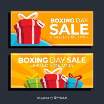 Eingewickelte geschenkboxen für den boxtag-verkauf
