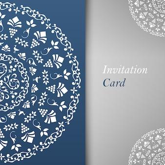 Einladungskartenschablone mit blumenelementen