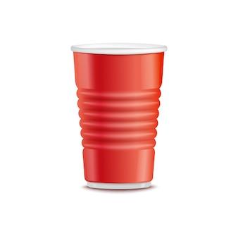 Einweggetränk zum mitnehmen aus rotem kunststoff