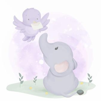 Elefantenbaby bekommt post vom vogel