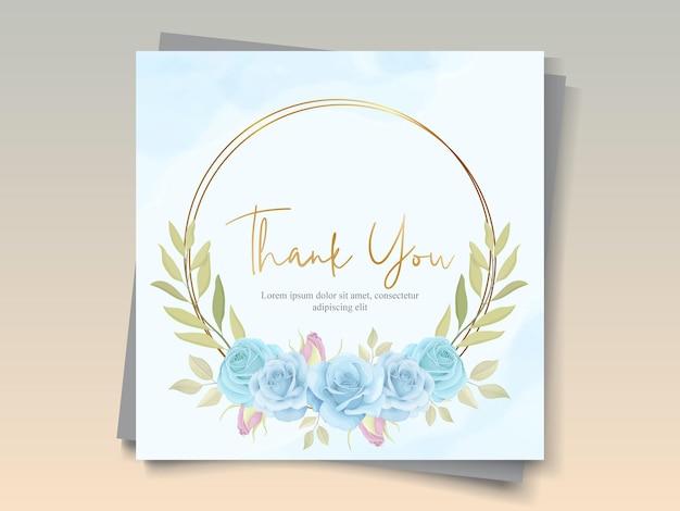 Elegante blumenkarte mit schönen blühenden rosen