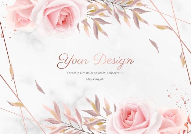 Elegante blumenrose mit marmorhintergrund. rose metallic farbrahmen. hochzeitseinladungskarte grußkarte.