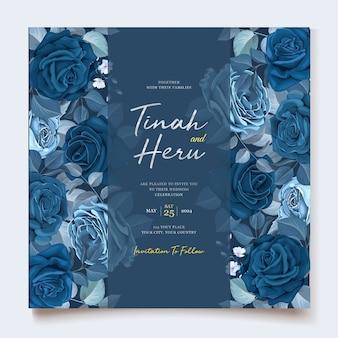 Elegante einladungskarte mit klassischer blauer blumenschablone