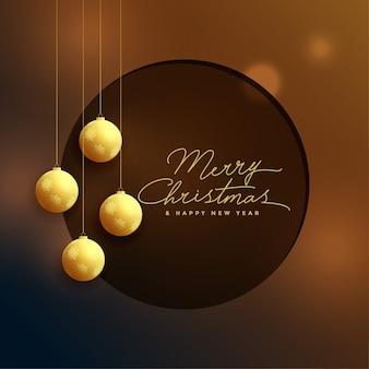 Elegante goldene weihnachtsbälle auf bokeh hintergrund