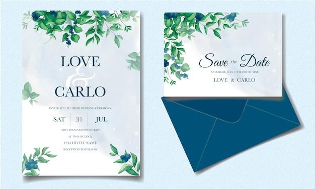 Elegante hochzeitseinladungskarte mit grünen blättern und blaubeeren