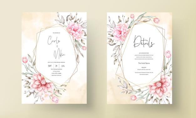 Elegante hochzeitseinladungskarte mit schönen blumenornamenten